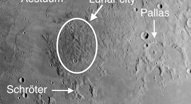 Lunar City – Colossal Buildings, Gigantic Ramparts and Moon Dwellers