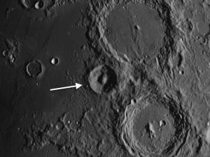 Alpetragius moon crater